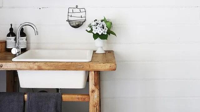 des objets recup detournes en meubles vasques