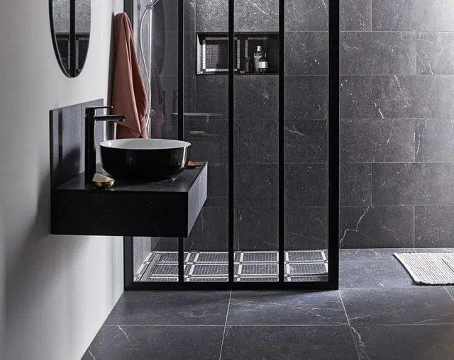 sol et mur salle de bain quoi choisir