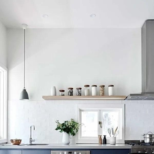 agrandir une cuisine conviviale sans meuble haut