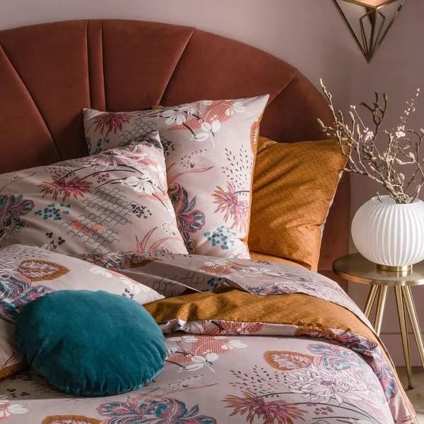 agrandir une tete de lit en velours au style art deco
