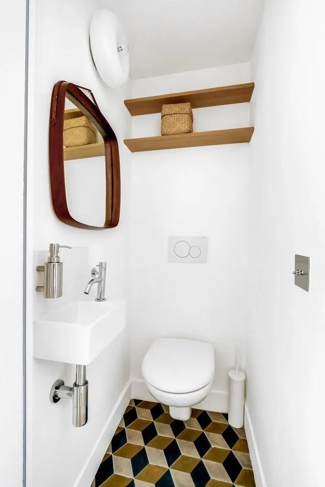 agencement des toilettes