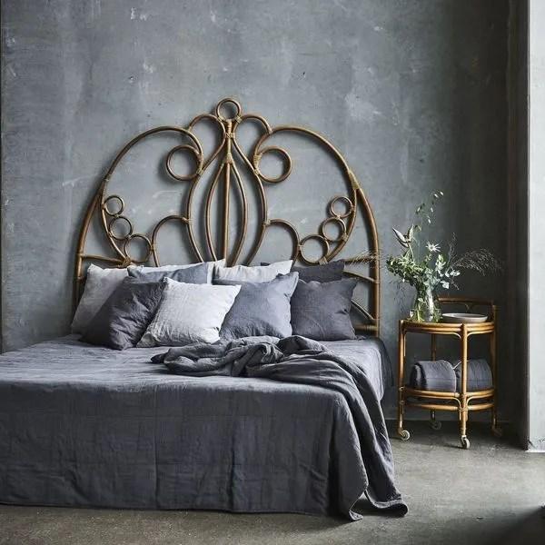 tete de lit rotin cote maison