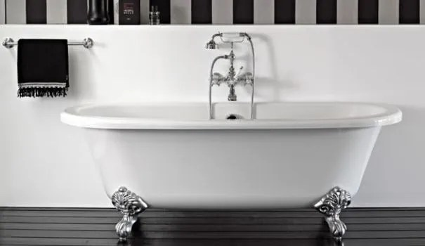 pied baignoire pattes de lion