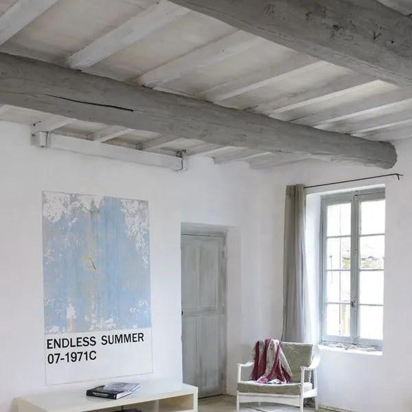 Repeindre Un Plafond Avec Poutres En Bois Apparentes Cote Maison