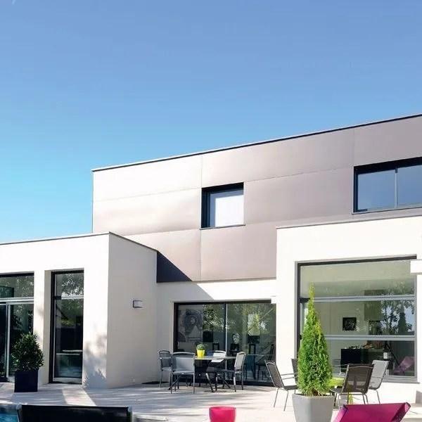 Une Maison Moderne Pratique Et Cologique Avec Piscine