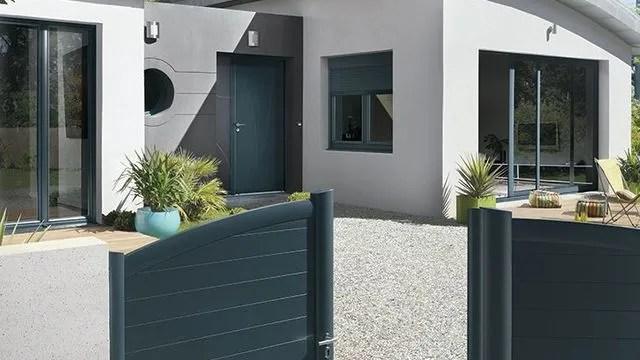 Portail Porte D Entree Porte De Garage Nos Conseils Pour Acheter Et Harmoniser Cote Maison