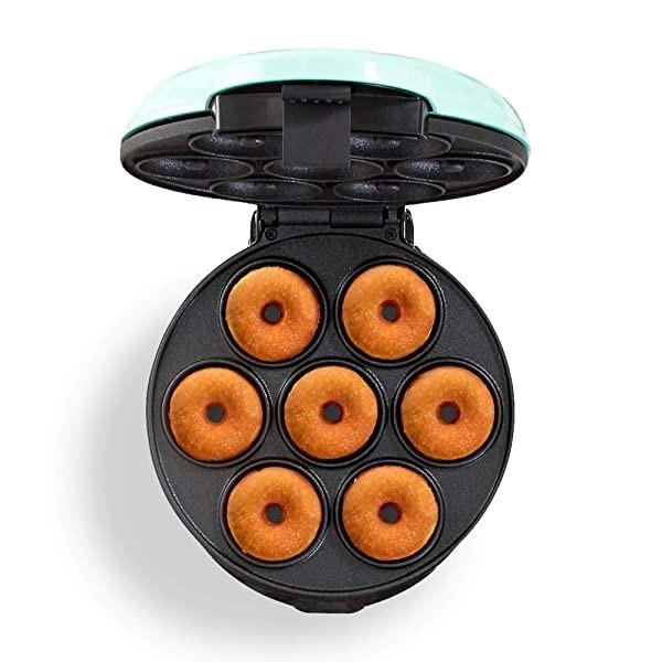 [미국] Dash DDM007 Mini Donut Maker Machine for Kid-Friendly Breakfast Snacks Desserts & More with N, Aqua, Makes 7 Doughnuts