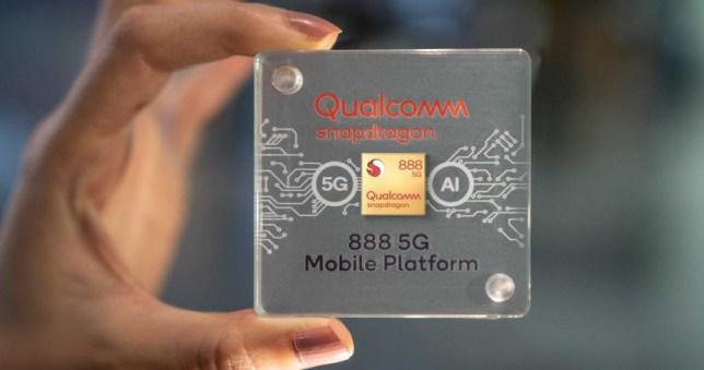 高通發表旗下最高階5G單晶片Snapdragon 888,是一顆5奈米製程的系統單晶片,支援mmWave和Sub-6兩個頻段。(圖/高通)