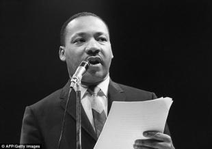 La foto vergognosa e stata pubblicata il giorno del ricordo di Martin Luther King