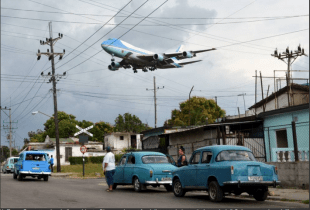 OBAMA AIR FORCE ONE CUBA
