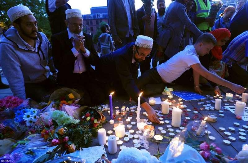 attentato di manchester musulmani in preghiera