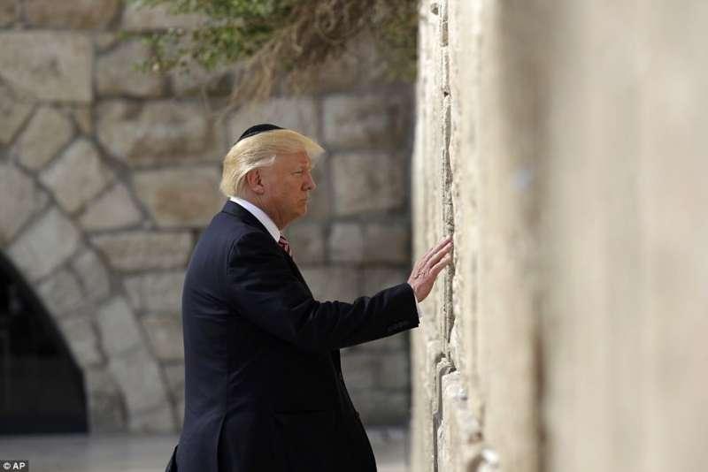 donald trump al muro del pianto di gerusalemme