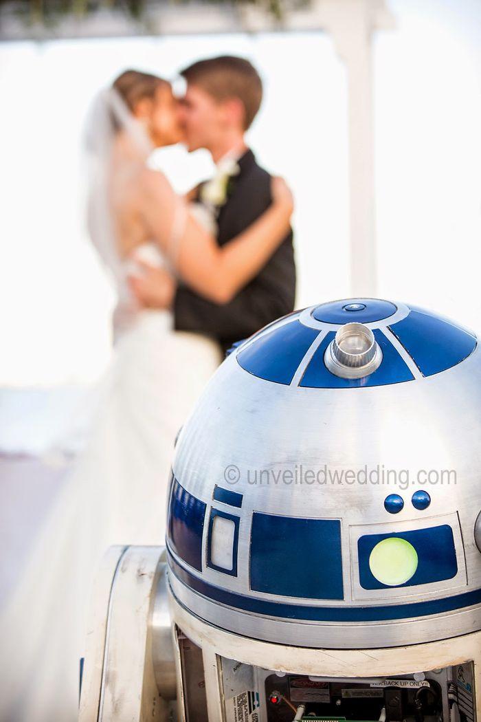 5df743d36322f star wars wedding cory carrie shields 3 5df202c042f60  700 - Casal teve um casamento com o tema Star Wars