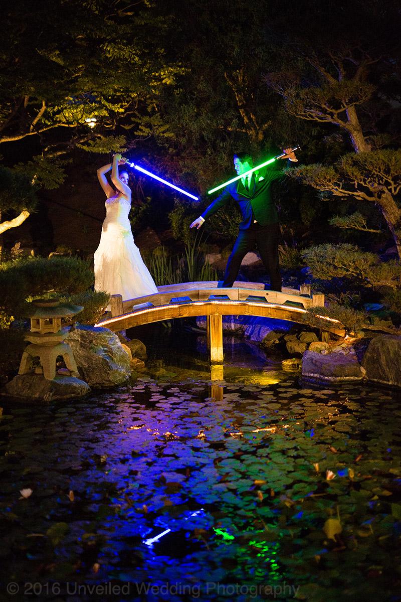 5df743d598eed star wars wedding cory carrie shields 49 - Casal teve um casamento com o tema Star Wars