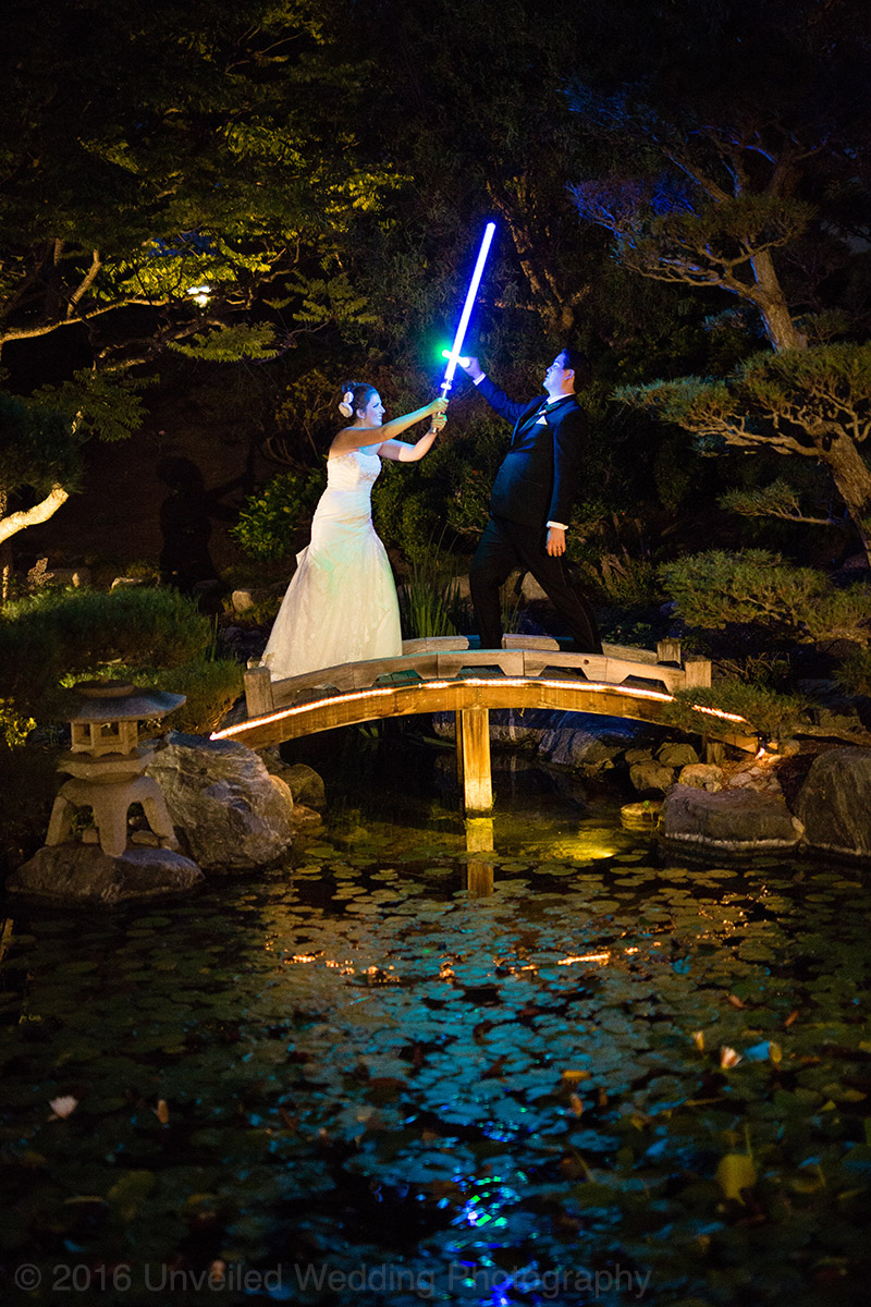 5df743d645d2b star wars wedding cory carrie shields 51 - Casal teve um casamento com o tema Star Wars