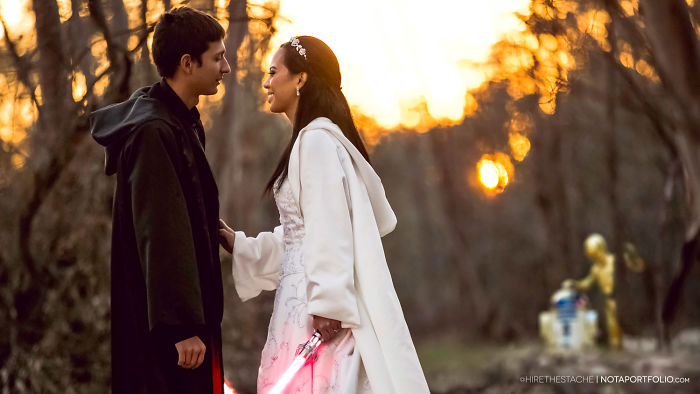 5df743dbecf4d star wars wedding cory carrie shields 5df23a7d9508f  700 - Casal teve um casamento com o tema Star Wars