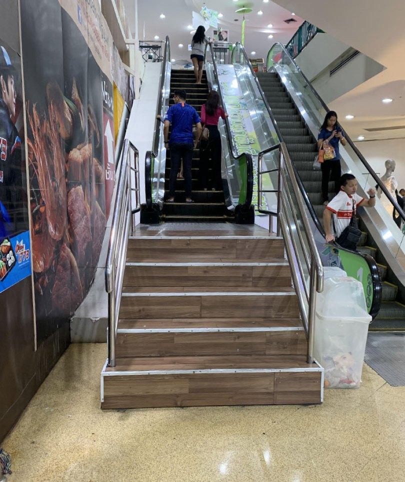 60618dc80a357 funny stair design fails 5 605226655f737  700 - Escadas ainda são o grande dilema dos arquitetos