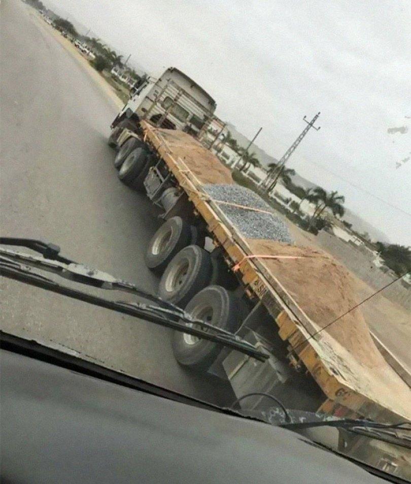 """610a3ad8191ec bad drivers funny pics 2 60ffcc32eea2e  700 - Fotos revelam como muitos motoristas são """"vida loka"""" ou simplesmente sem noção"""