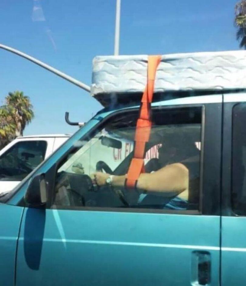 """610a3ad836e0d bad drivers funny pics 26 60fe7eb47f9d7  700 - Fotos revelam como muitos motoristas são """"vida loka"""" ou simplesmente sem noção"""