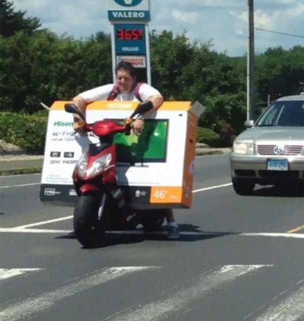 """610a3ad9634bf bad drivers funny pics 147 60feb87779c23  700 - Fotos revelam como muitos motoristas são """"vida loka"""" ou simplesmente sem noção"""