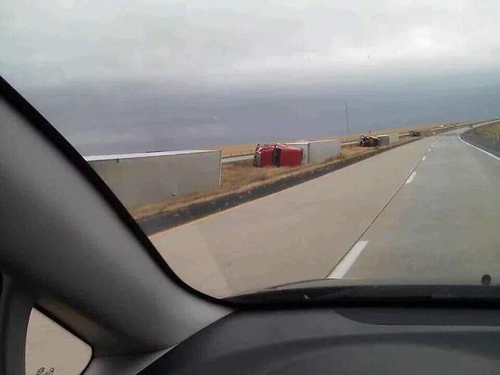 """610a3adb5b167 bad drivers funny pics 60fe84ea0c79e  700 - Fotos revelam como muitos motoristas são """"vida loka"""" ou simplesmente sem noção"""