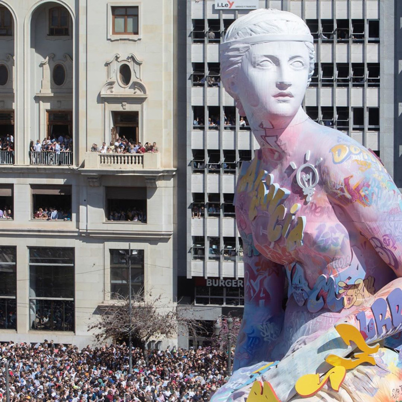 pichiavo sets alight 85-foot sculpture covered in artist duo's signature graffiti las fallas
