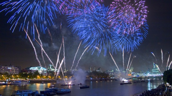 Where to watch New Year s Eve Fireworks in London   London NYE     Where to watch New Year s Eve Fireworks in London   London NYE Fireworks    DesignMyNight