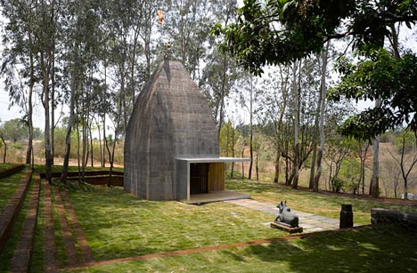 Shiv Temple by Sameep Padora & Associates