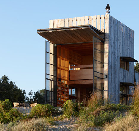 Hut on Sleds by Crosson Clarke Carnachan Architects