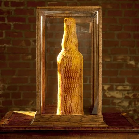 Dewar's Highlander Honey bottle
