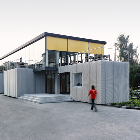 Modular Cafeteria by Chybik+Kristof AA