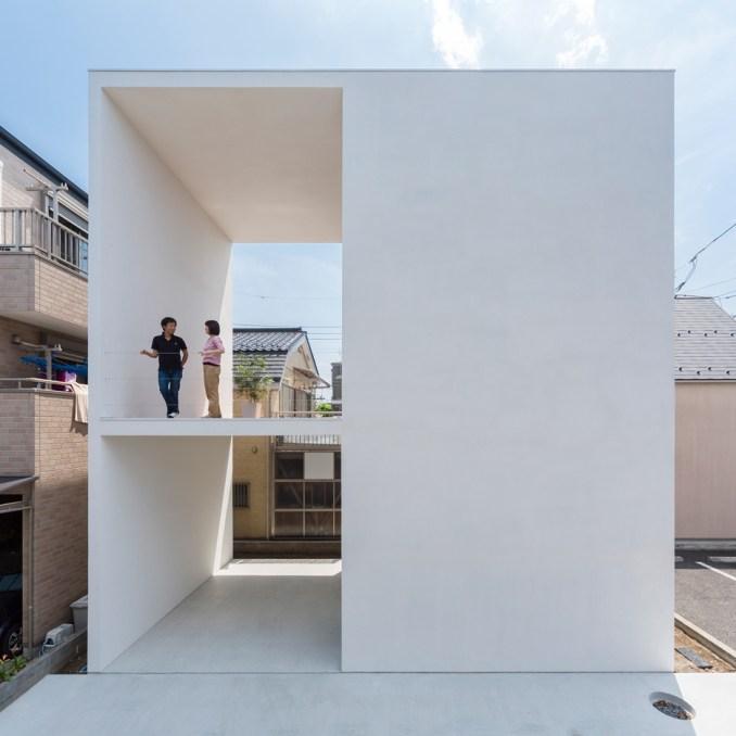 Japanese houses: Little House Big Terrace by Takuro Yamamoto