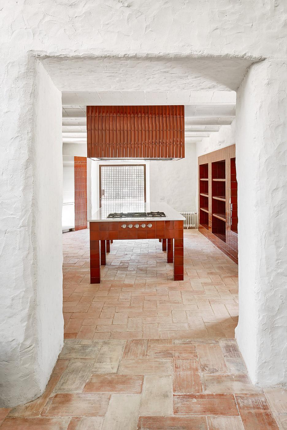 spanish farmhouse with glazed tiles