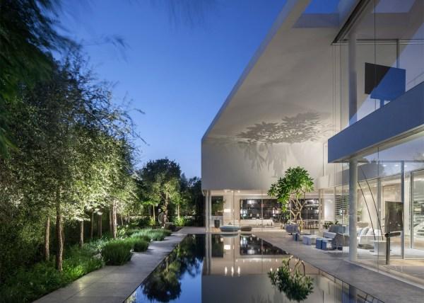 J House, Tel Aviv