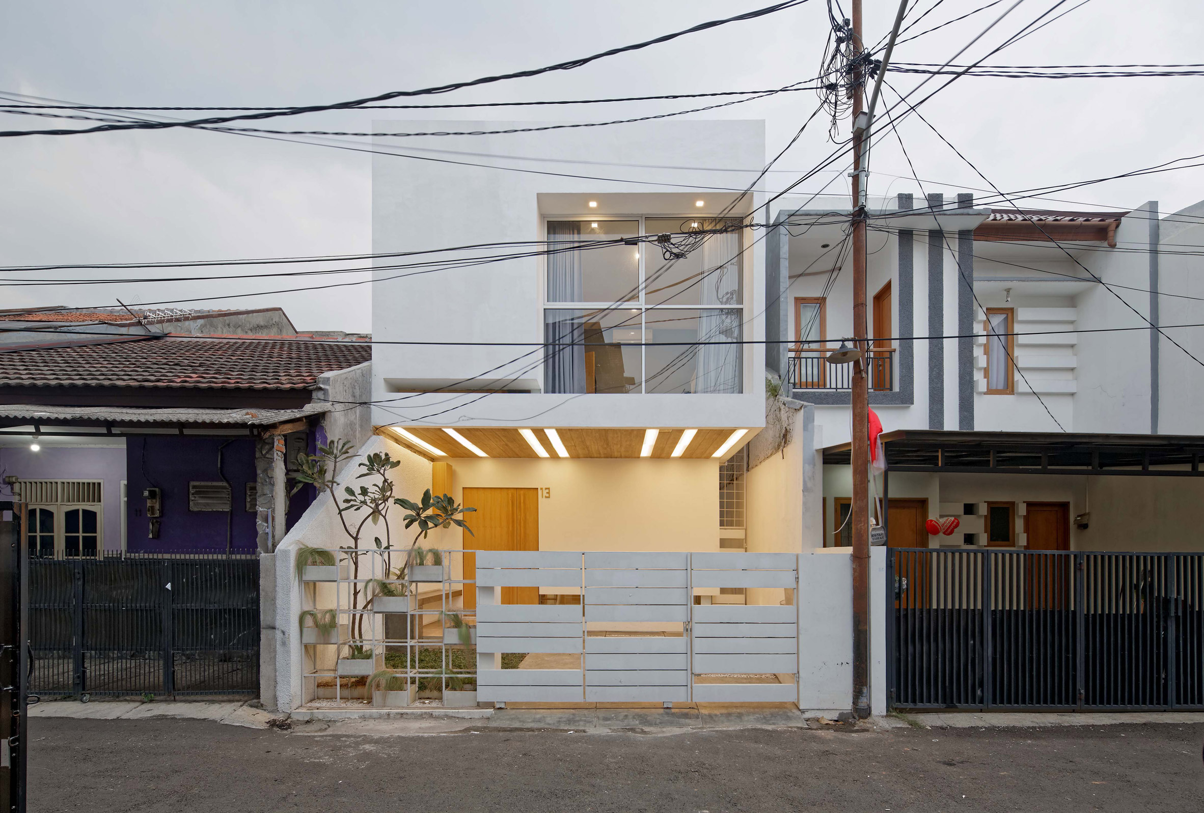 Splow House by Delution Architect