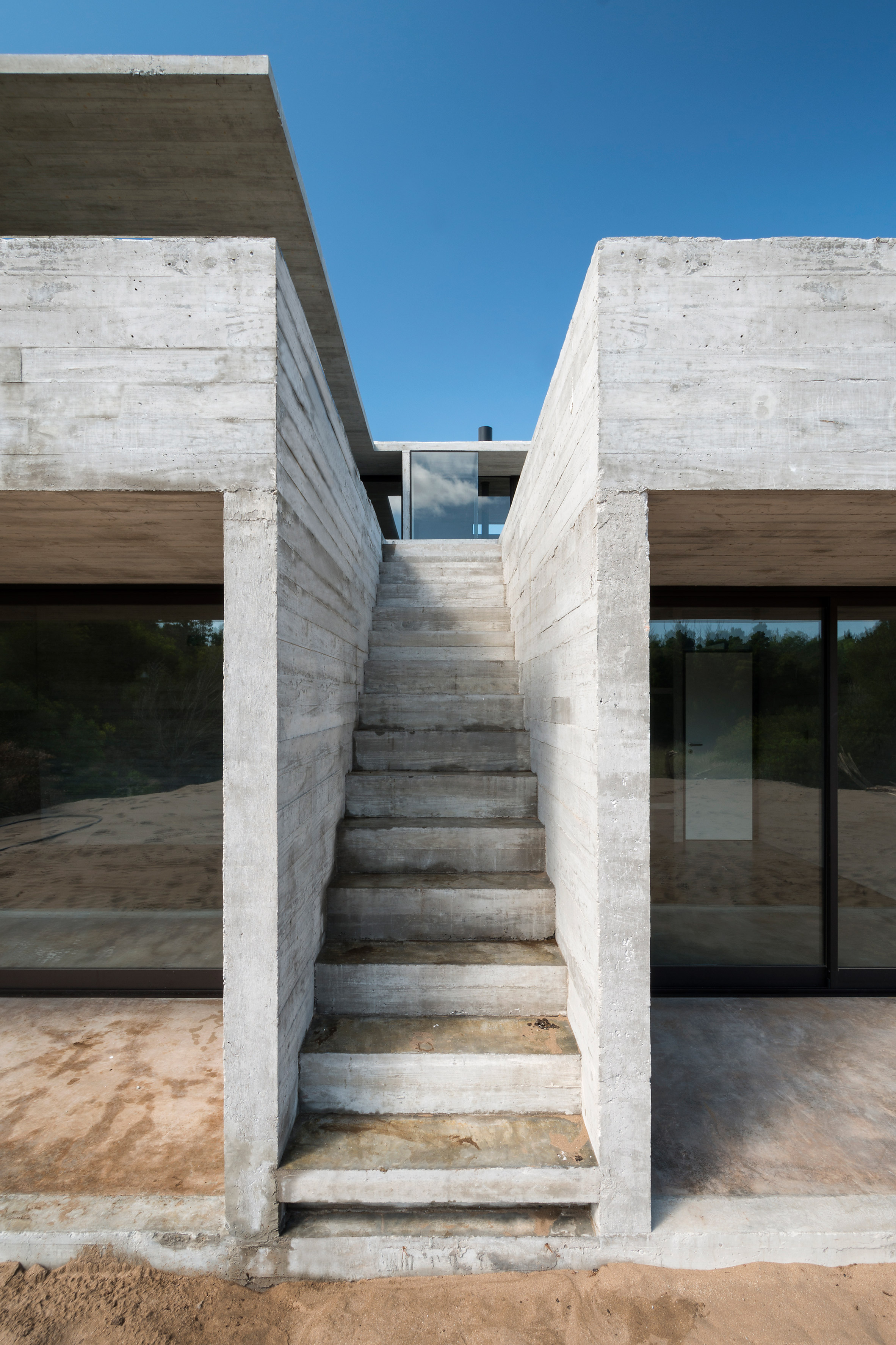 House in the Dune by Luciano Kruk arquitectos