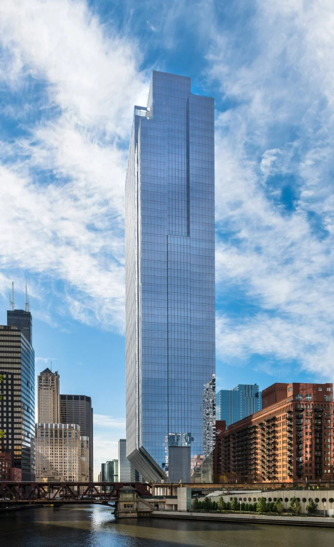 150 North Riverside Office Tower by Goettsch Partners