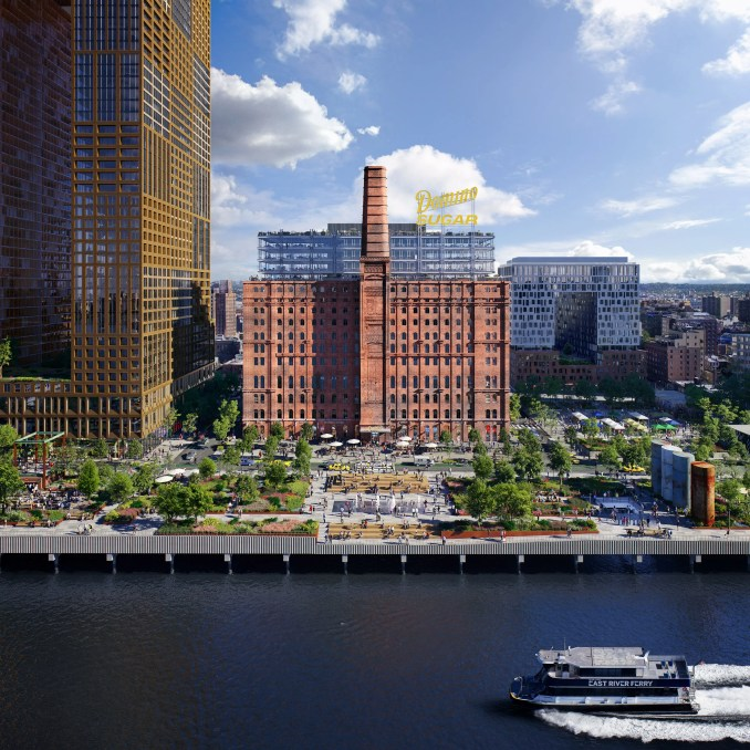 Domino Sugar Factory site converted in Williamsburg park by James Corner Field Operations