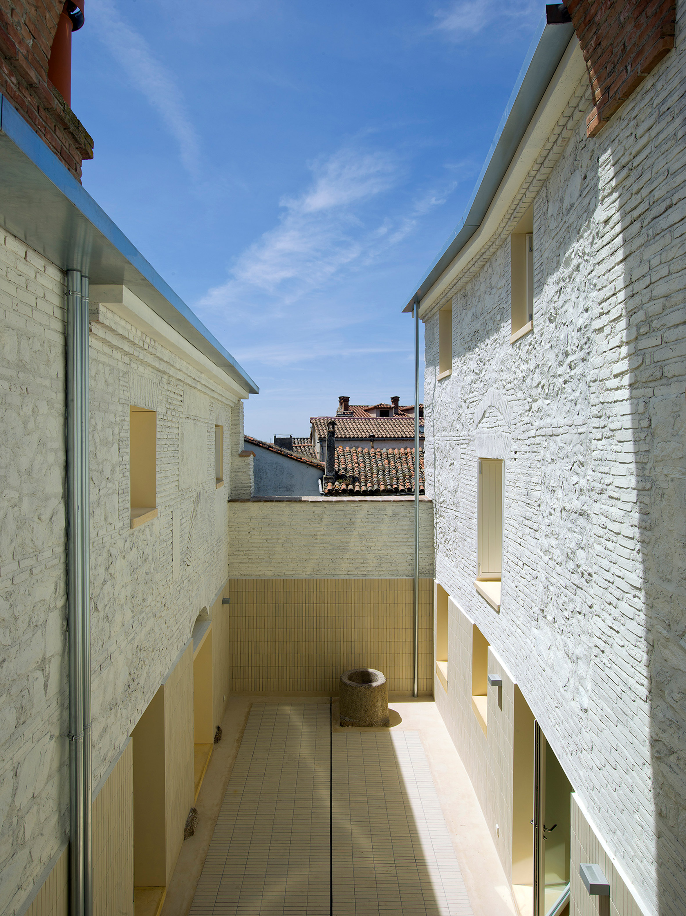 Two Houses in Oropesa by Paredes Pedrosa Arquitectos