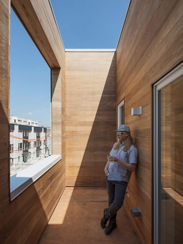 Outside-In House by ISA