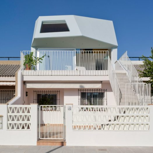 The Beach House by Laura Ortín Architecture