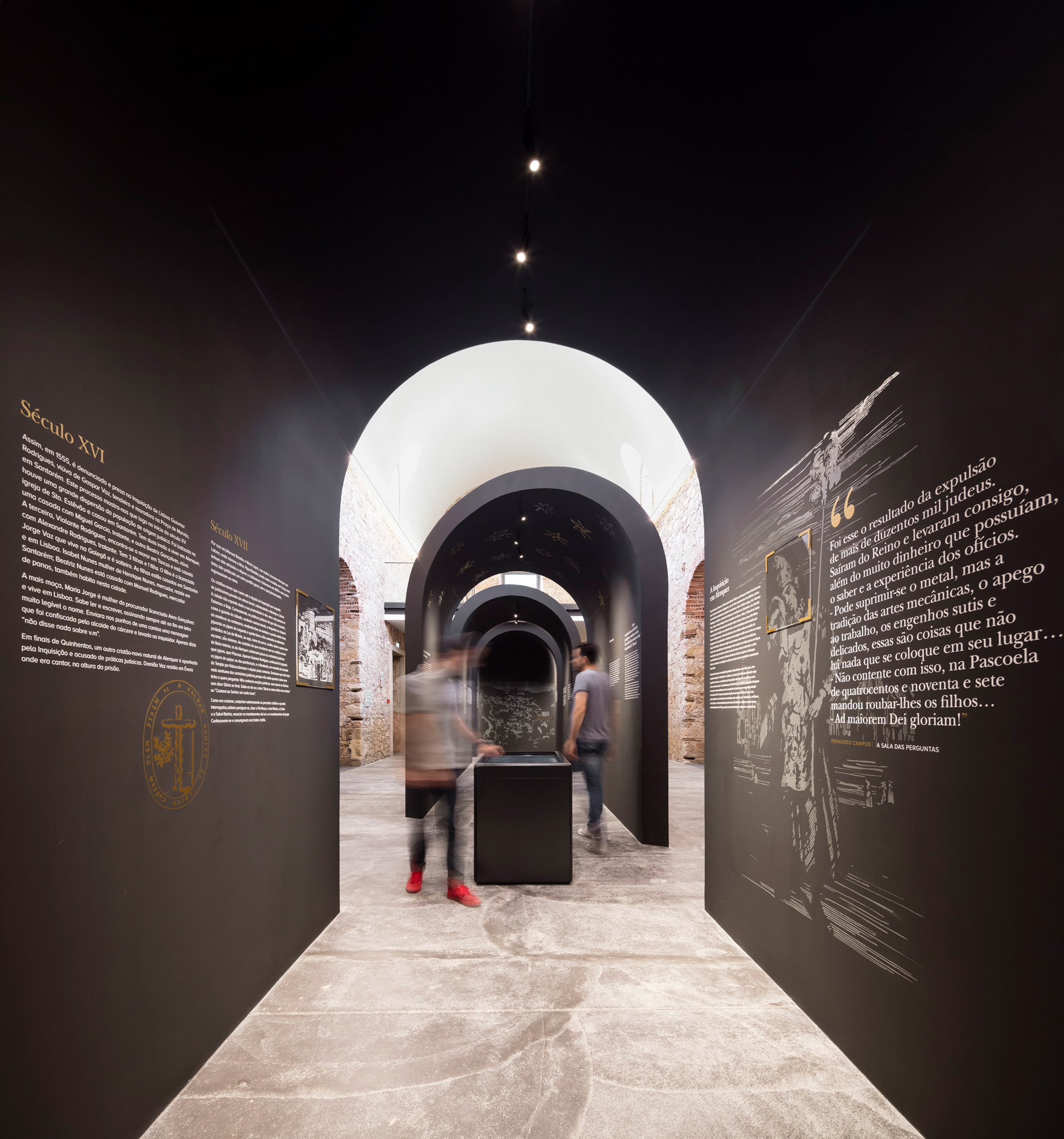This restored church inAlenquer, central Portugal has been repurposed bySpaceworkers to include an arched exhibition space that commemoratesthe life and historical legacy of Portuguese philosopher and scholar Damião de Gois.