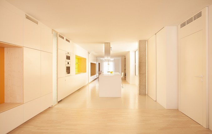 Alicante Apartment Renovated By Diego L 243 Pez Fuster Arquitectura References Hay Products Free