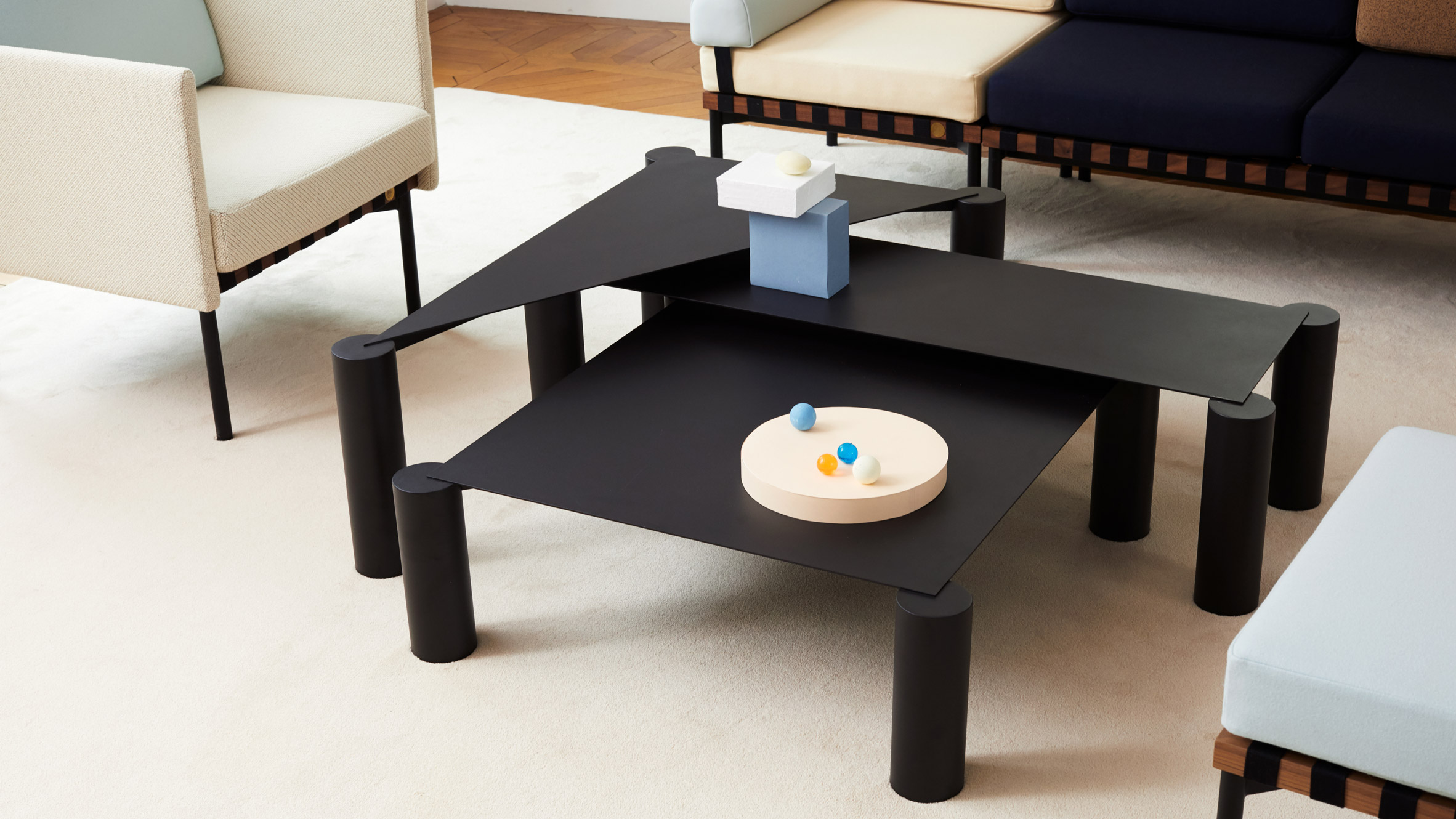 nesting coffee tables with bulky legs