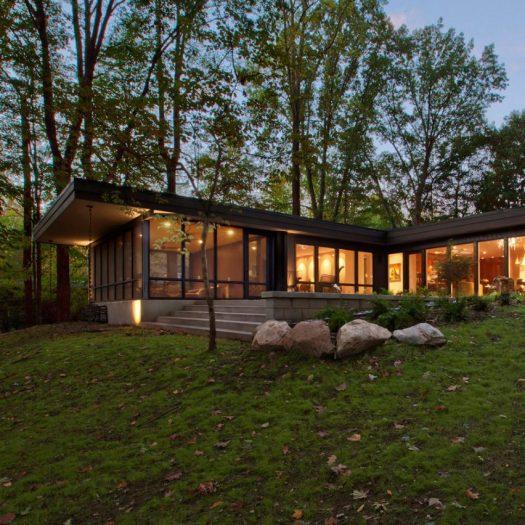 Haus overhauls midcentury modern home in the Indiana woods