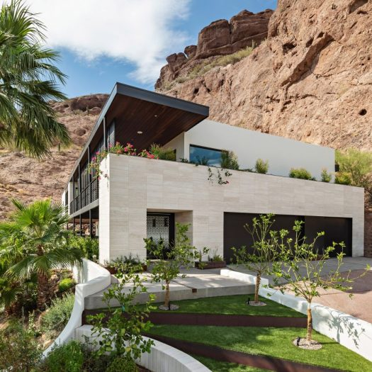 Red Rocks Residence by The Ranch Mine
