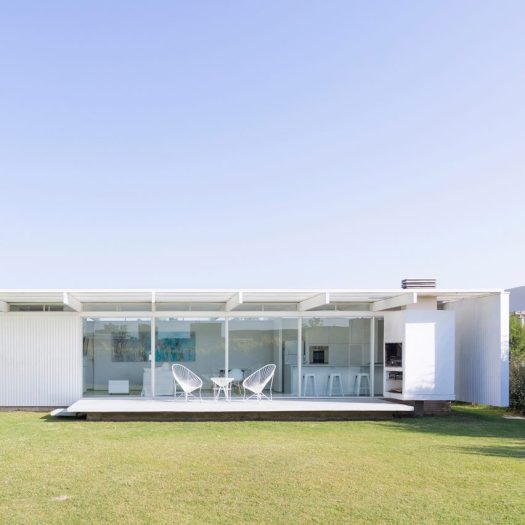 House in El Maitén by Bernardo Rosello Arquitectura