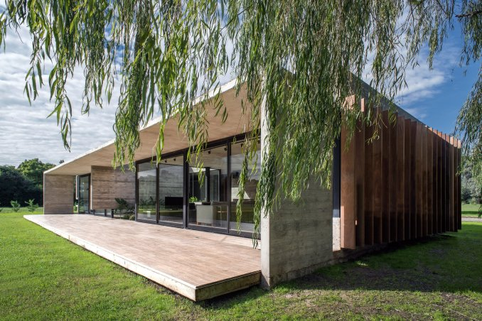 Rodriguez House by Luciano Kruk