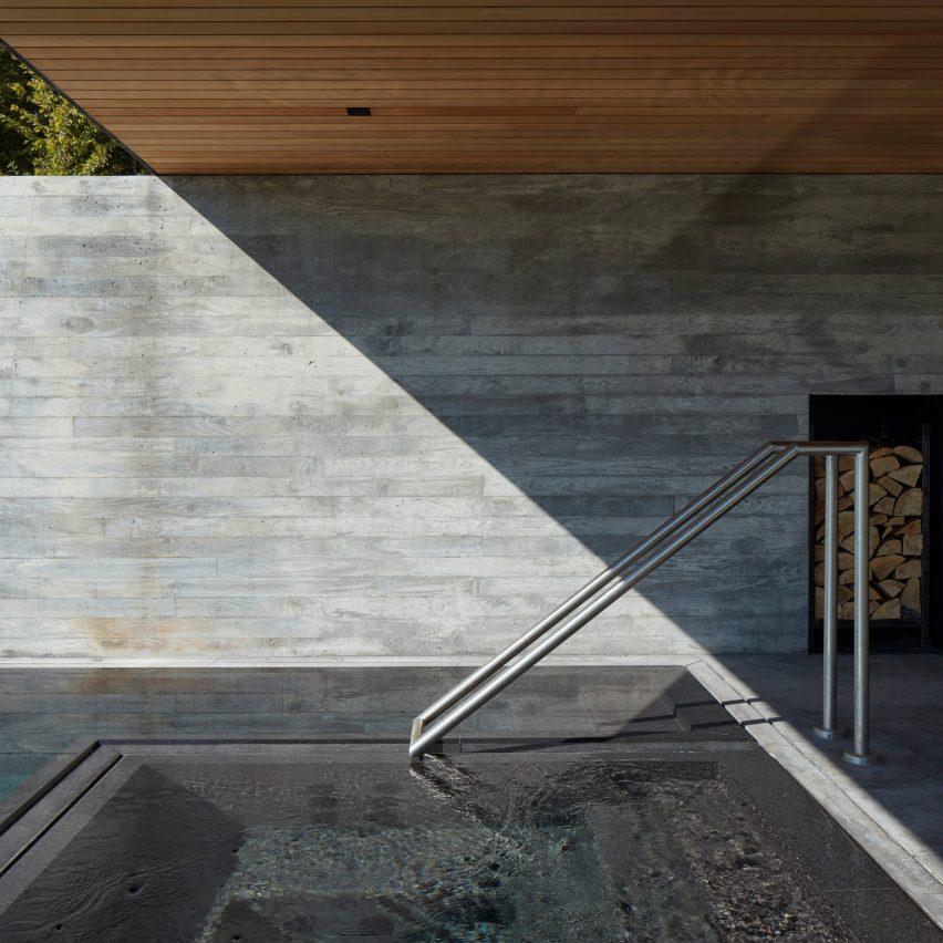 Pool House by MacKay-Lyons Sweetapple