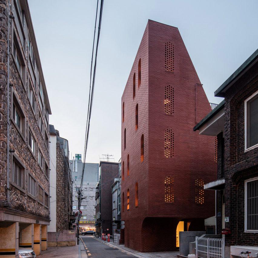 Five-storey house by STPMJ